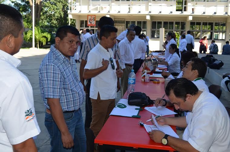 Docentes de Península de Yucatán cumplen evaluación