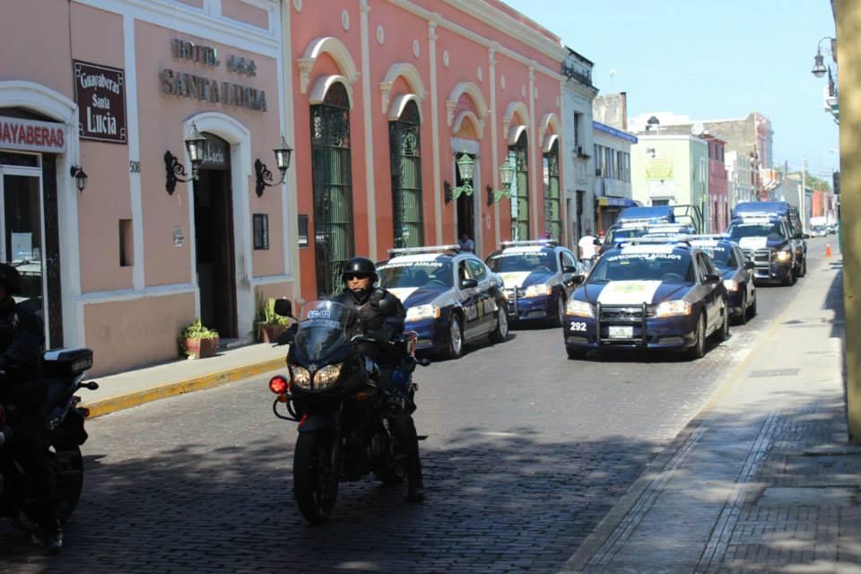 Busca refugio en oficina municipal de Mérida al huir de ataque