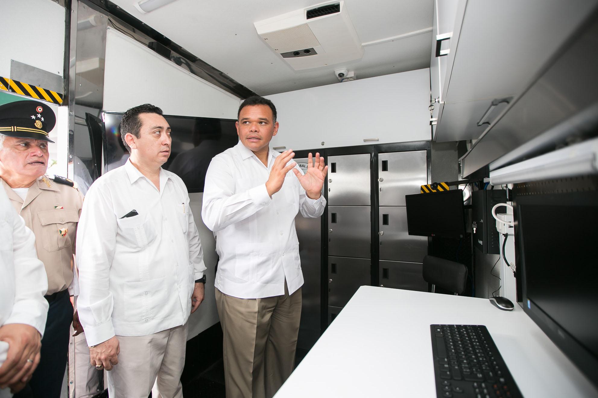Moderno equipo técnico y científico para apoyar labores de investigación judicial