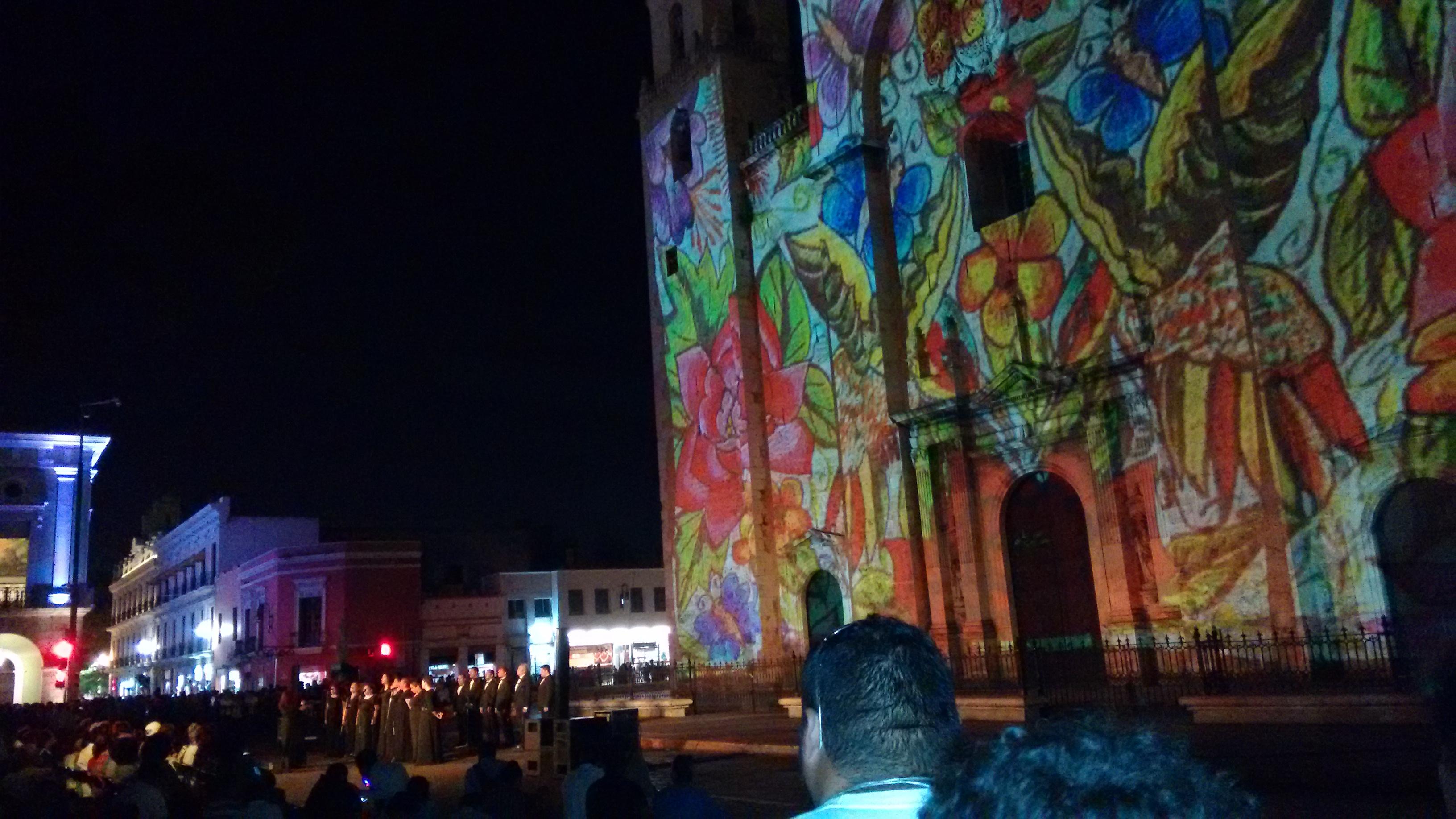 Deslumbra Noche Blanca de Mérida