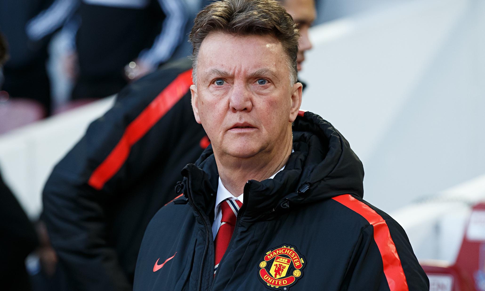 Van Gaal, a un paso de la destitución del Manchester United