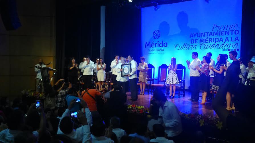 Reconocen labor por el bienestar de Mérida