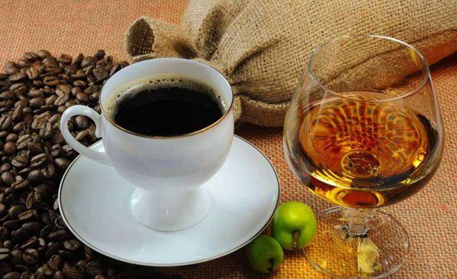 Porqué no beber café cuando estás ebrio