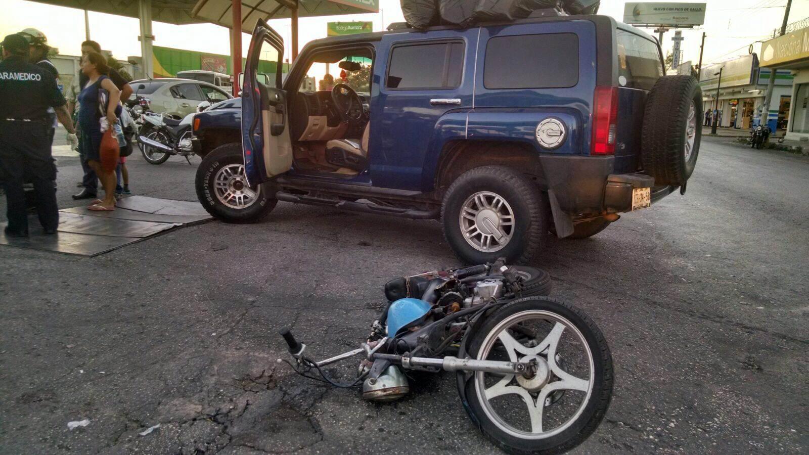 Conductor de Hummer embiste a motociclista
