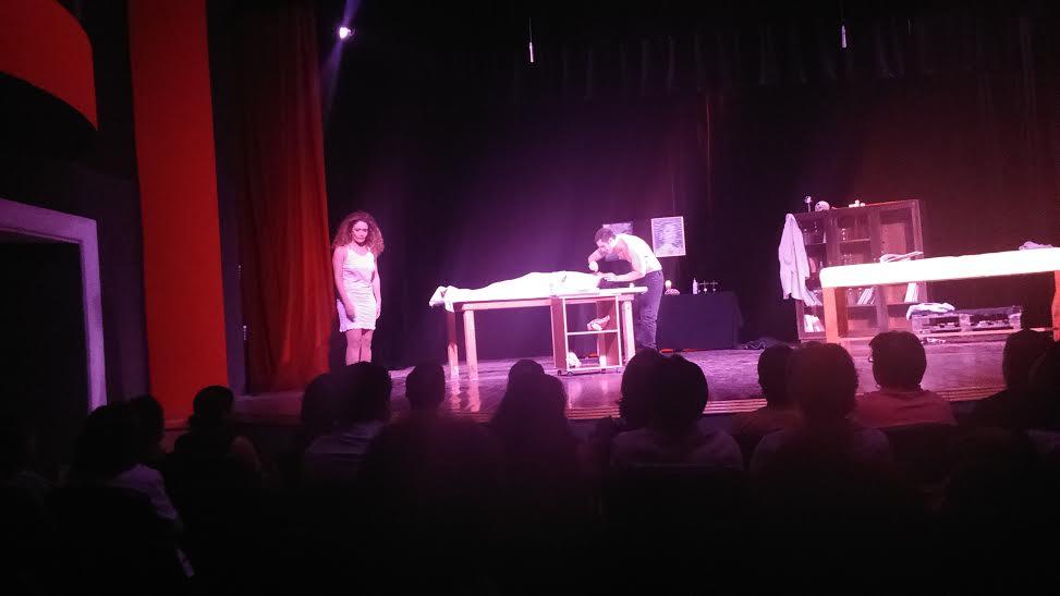 Un cadáver, teatro y humor negro en Yucatán