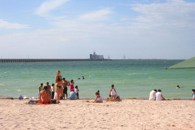 Semana Santa: 3 playas 'santas' de Yucatán <i>pecan</i>: las más contaminadas