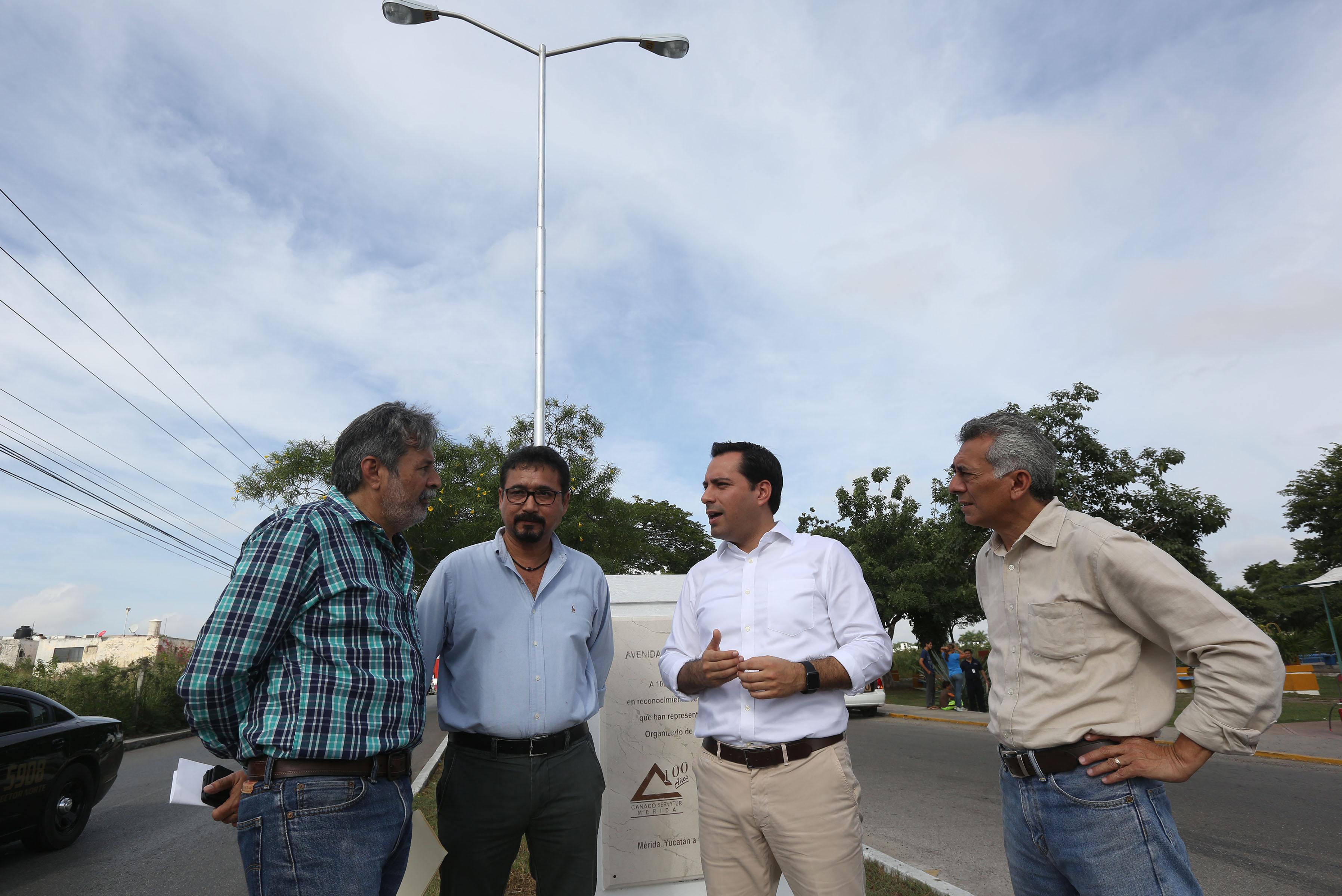 Supervisa Vila obras públicas en Mérida