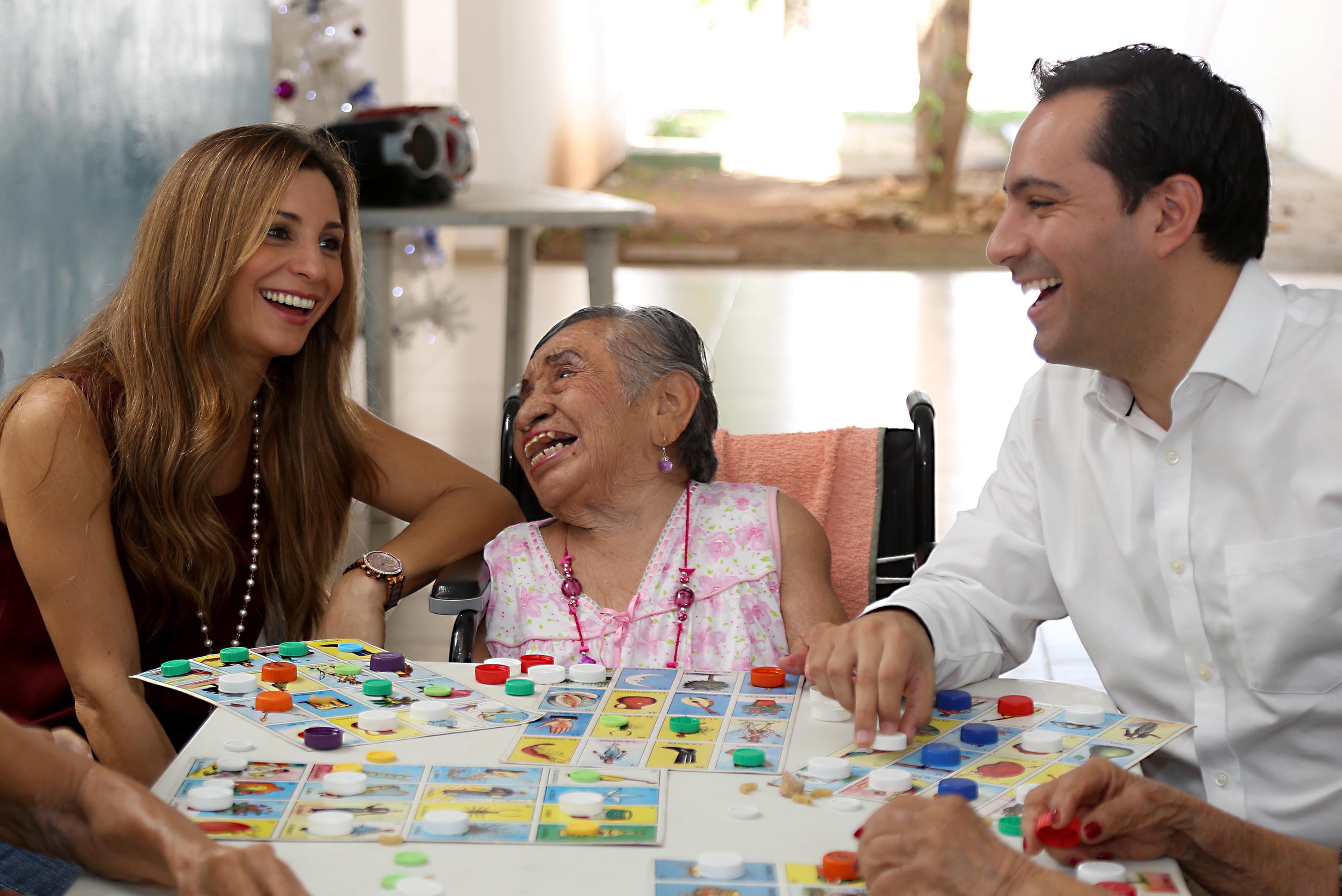 Adultos mayores, prioridad del Ayuntamiento.- Vila