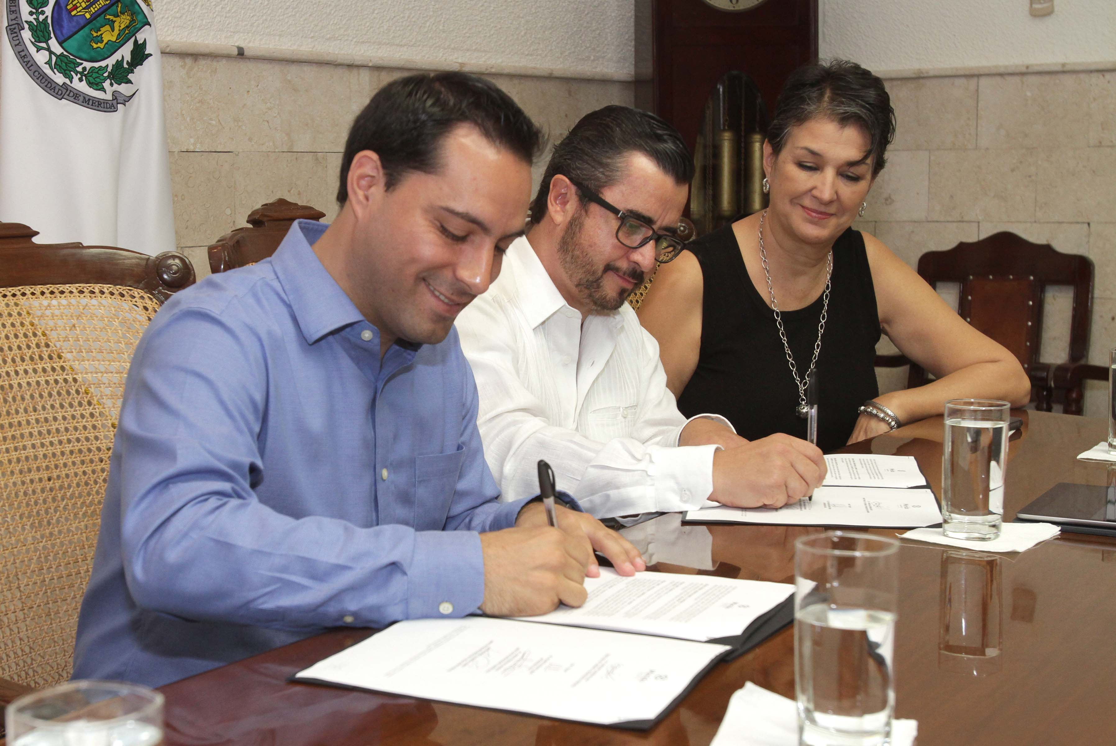 "Conectan Mérida a ""Online Career Center, México"""