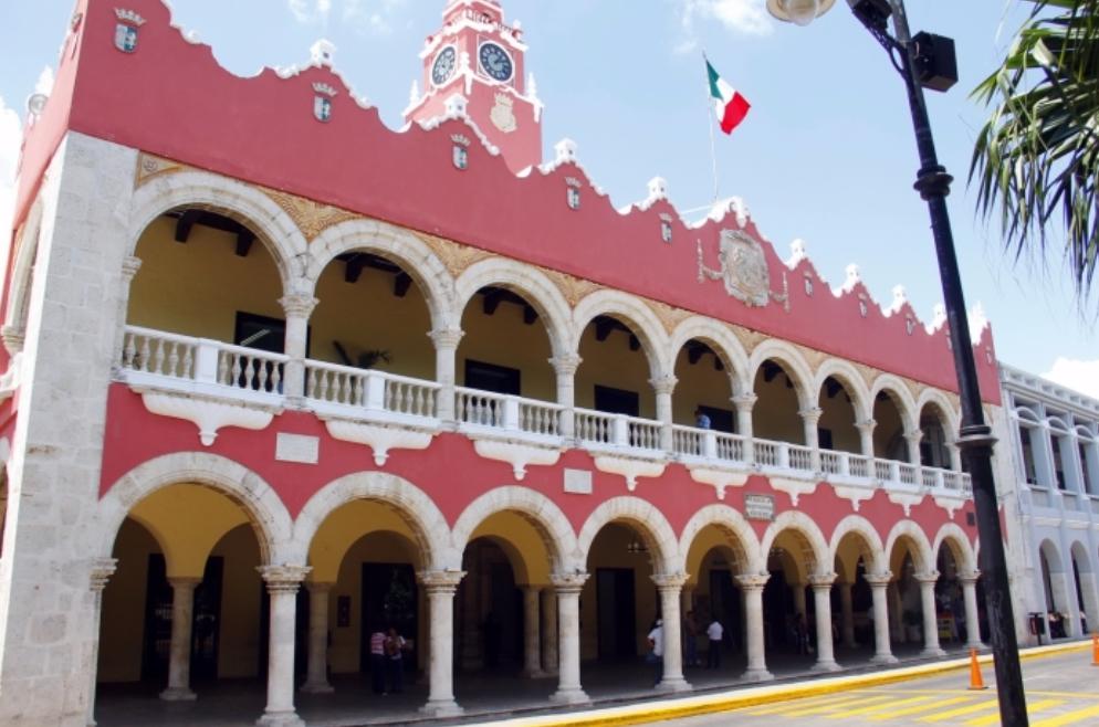 Cambio en dos direcciones de Ayuntamiento Mérida