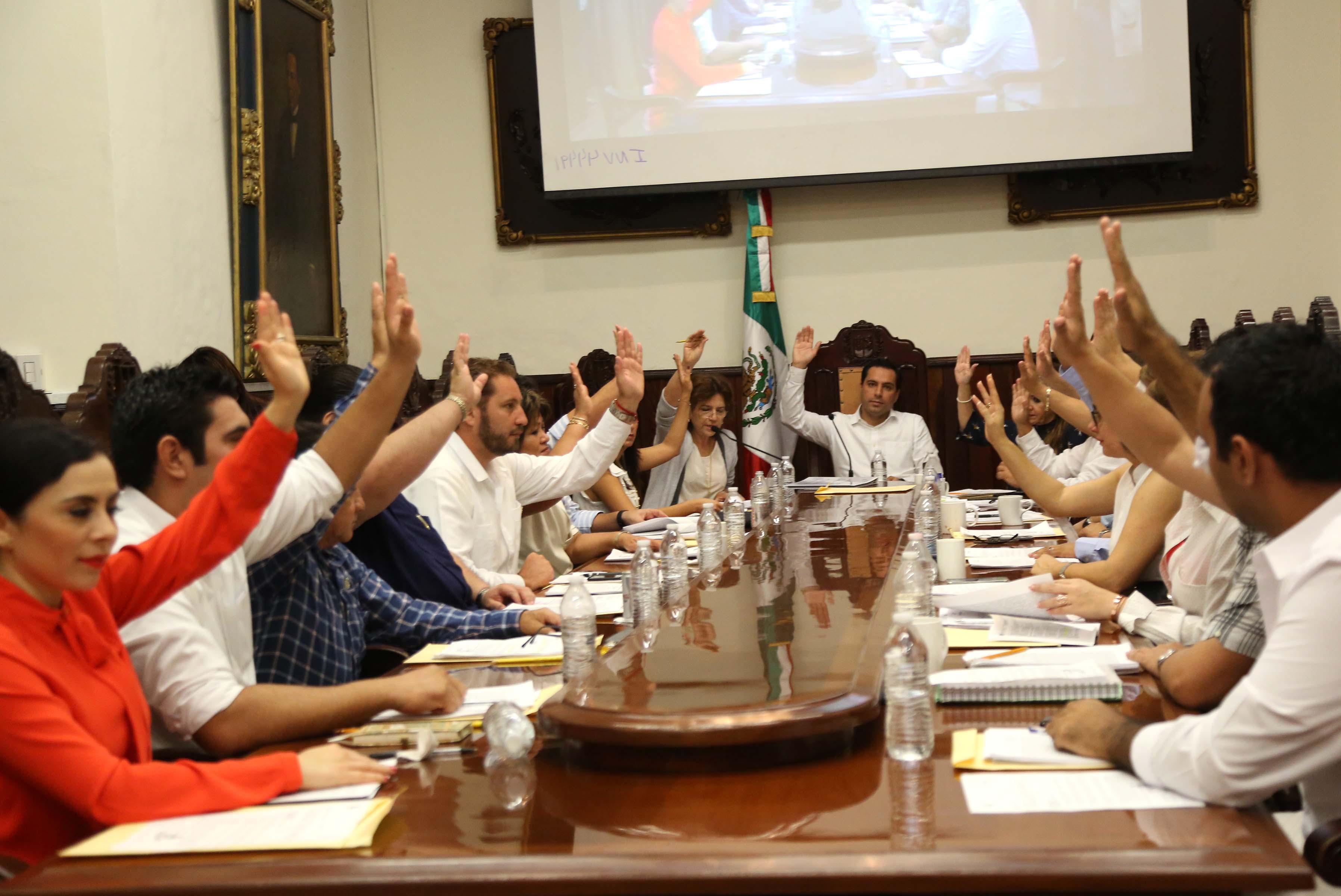 Aprueba Cabildo de Mérida conmemorar 100 años del 1er. Congreso Feminista