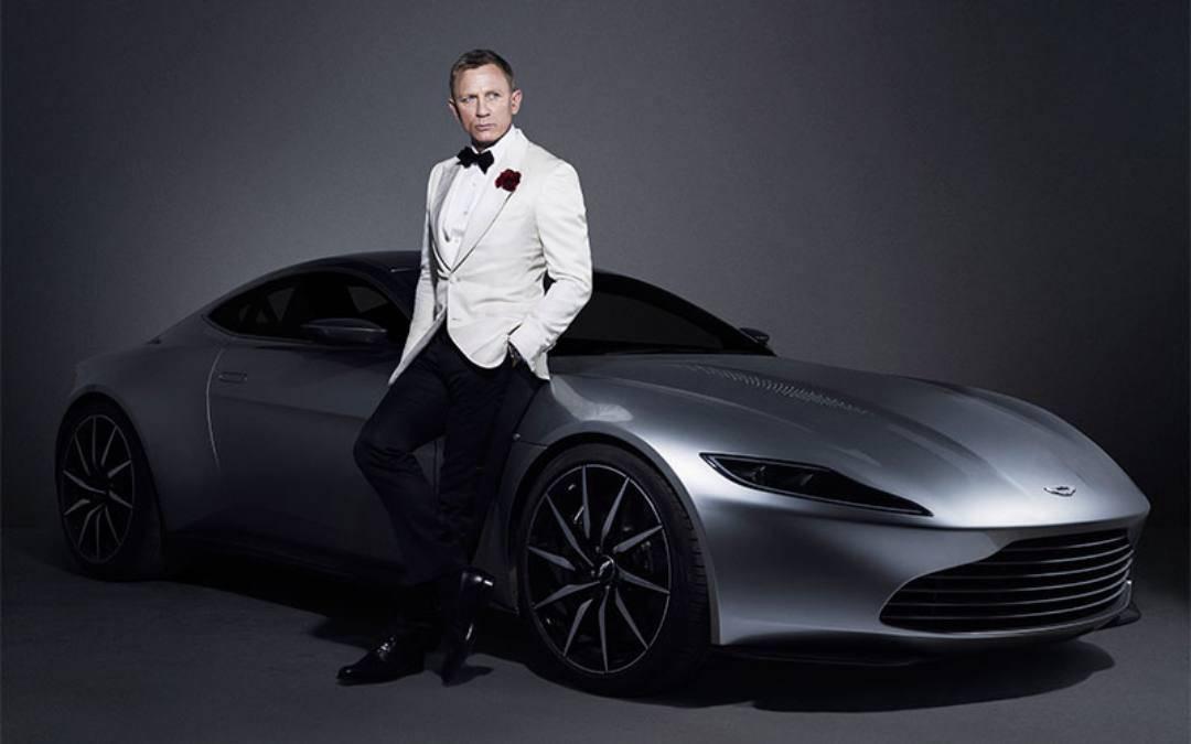 Subastarán objetos de la última película de James Bond