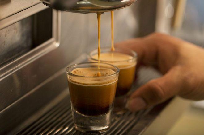 ¿De verdad la cafeína nos mantiene más alerta?