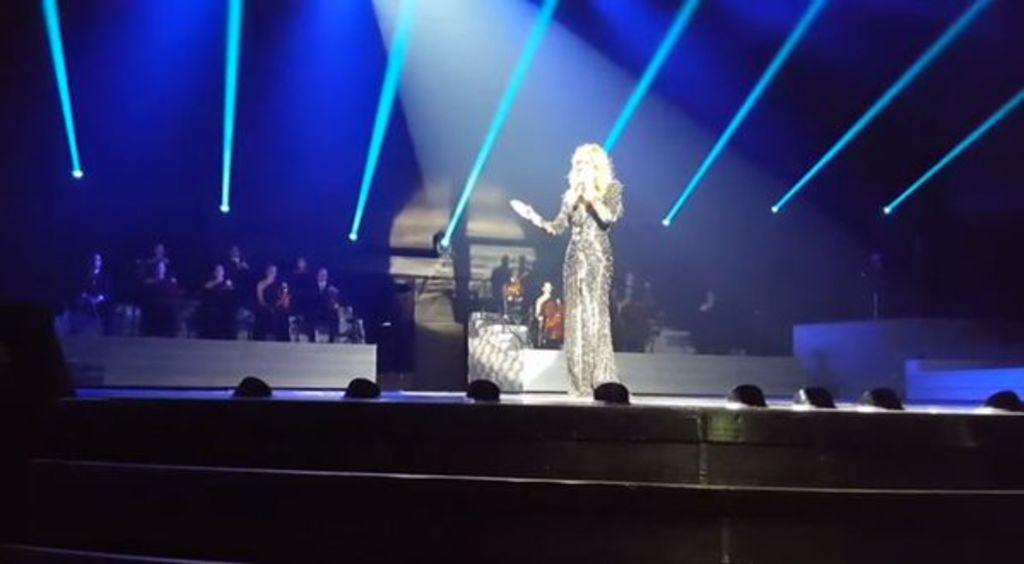 Sorprende Celine Dion con cover de Adele