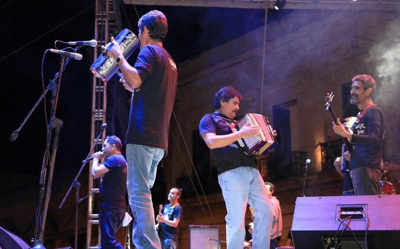 Celso Piña pone a bailar a Mérida