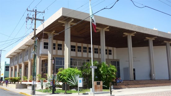 Inicia demolición externa del antiguo recinto de Congreso Yucatán