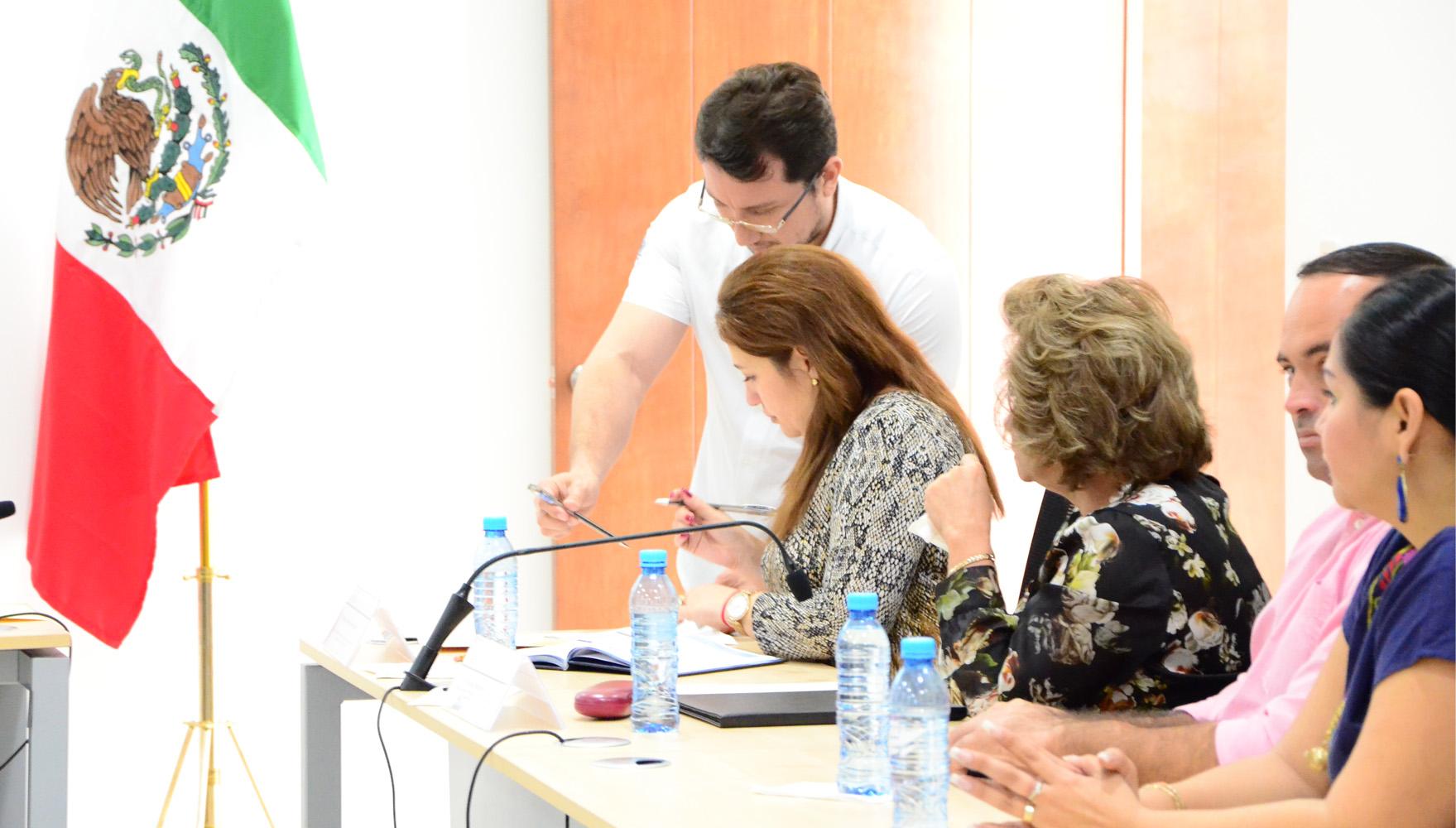 Comisiones permanentes reciben iniciativas