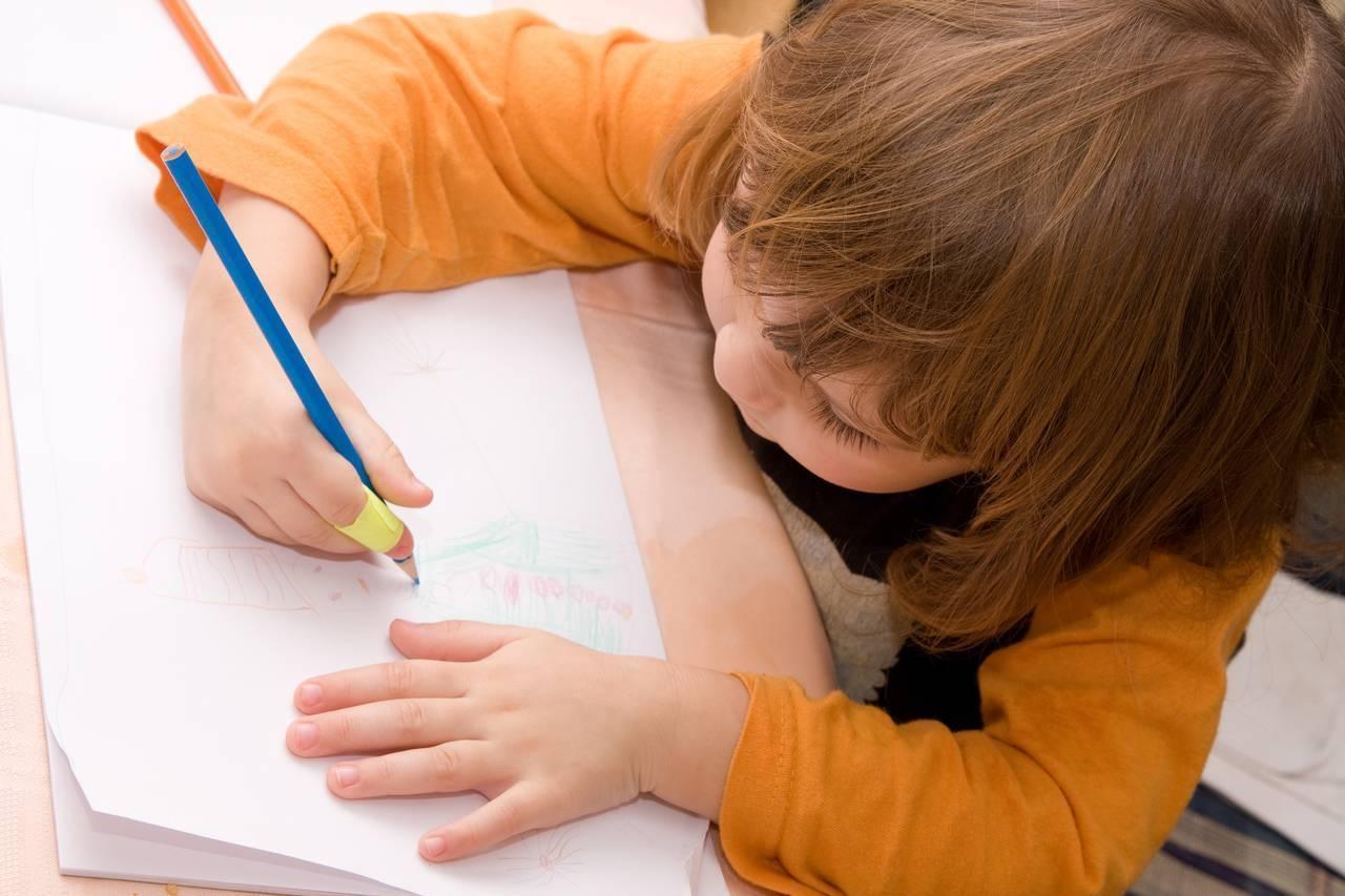 Los garabatos de los niños son un paso a la escritura