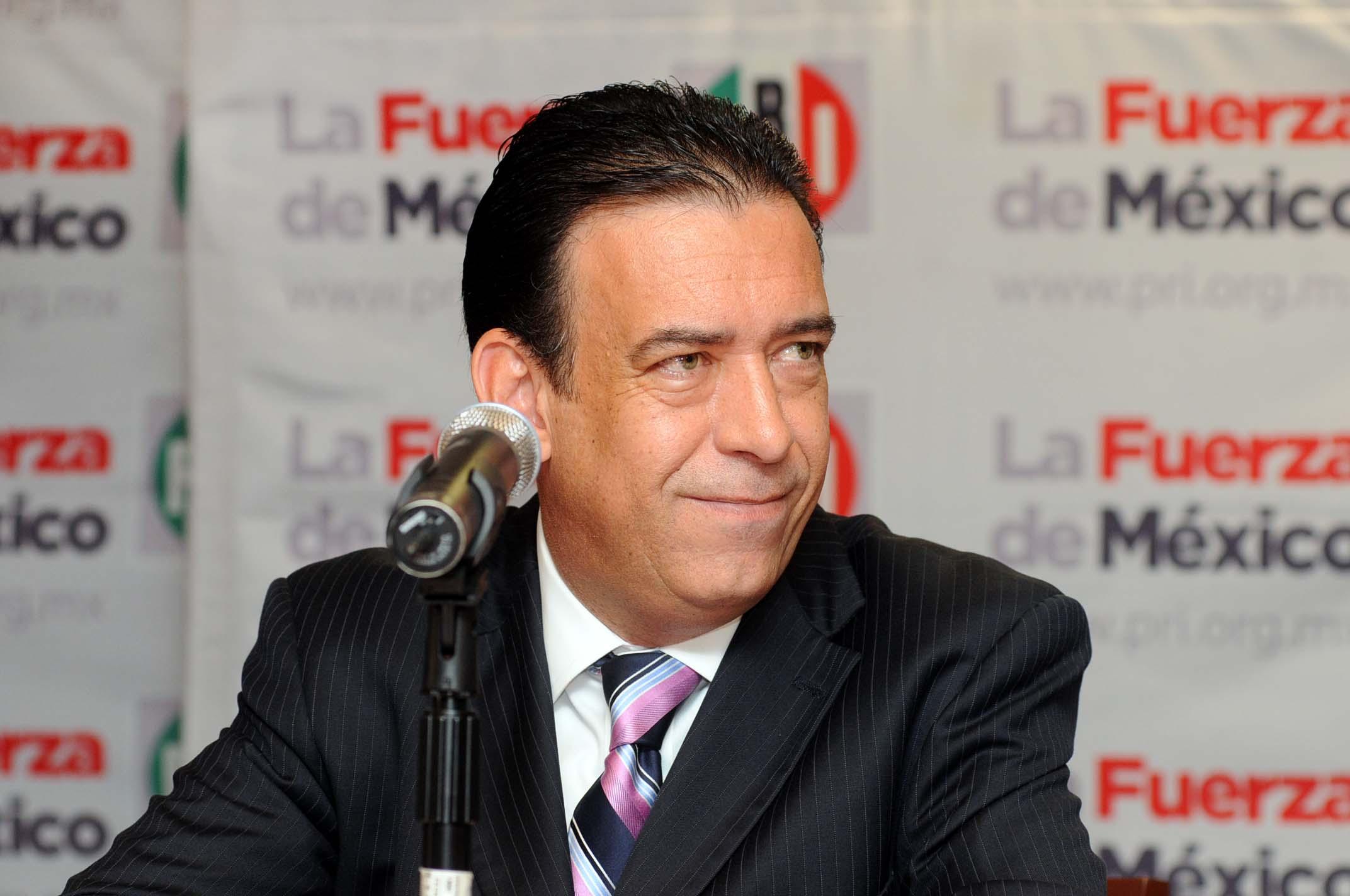 Humberto Moreira no podrá salir de España