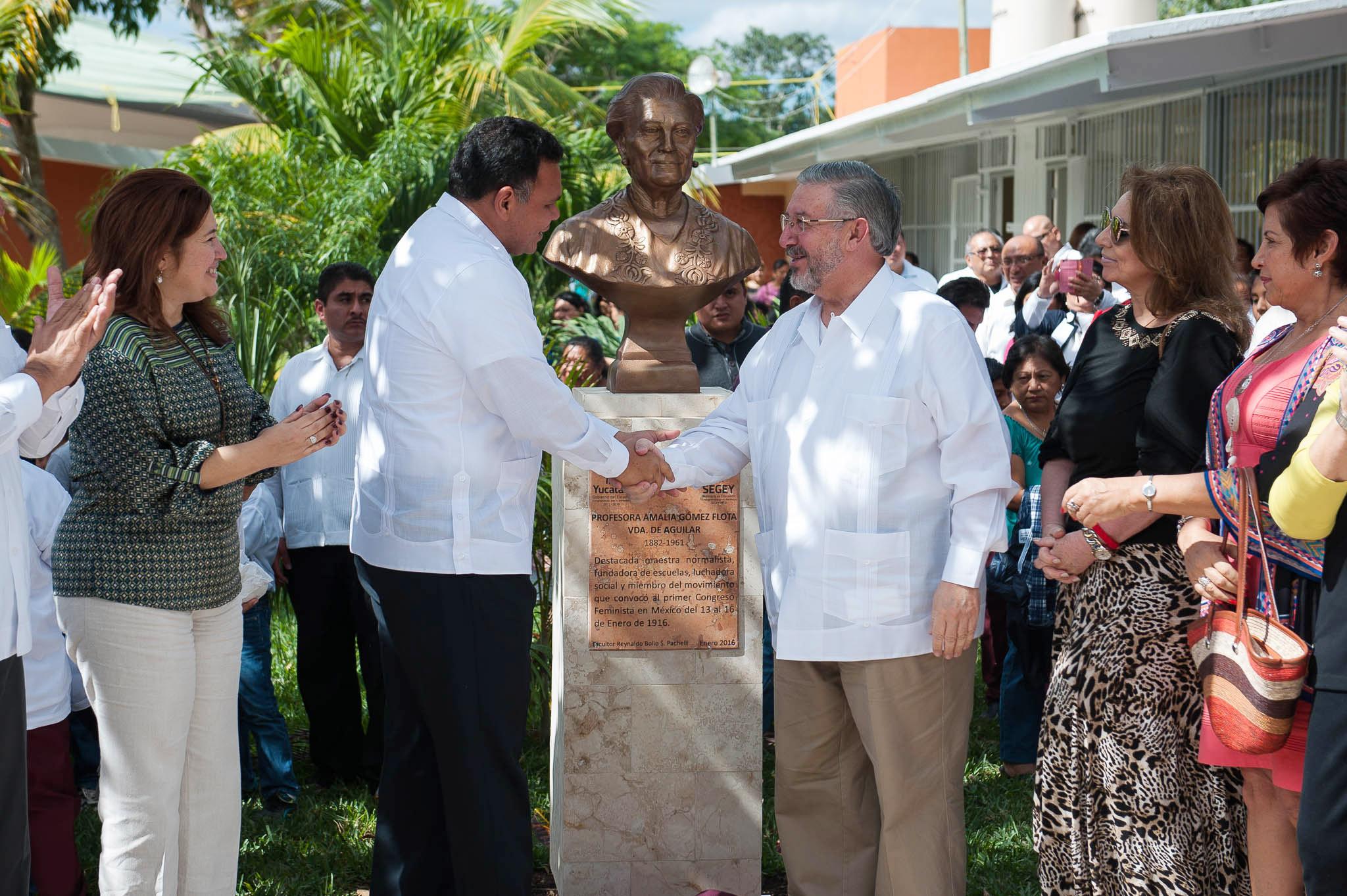 Homenaje en Yucatán a abuela del Presidenta de SCJN
