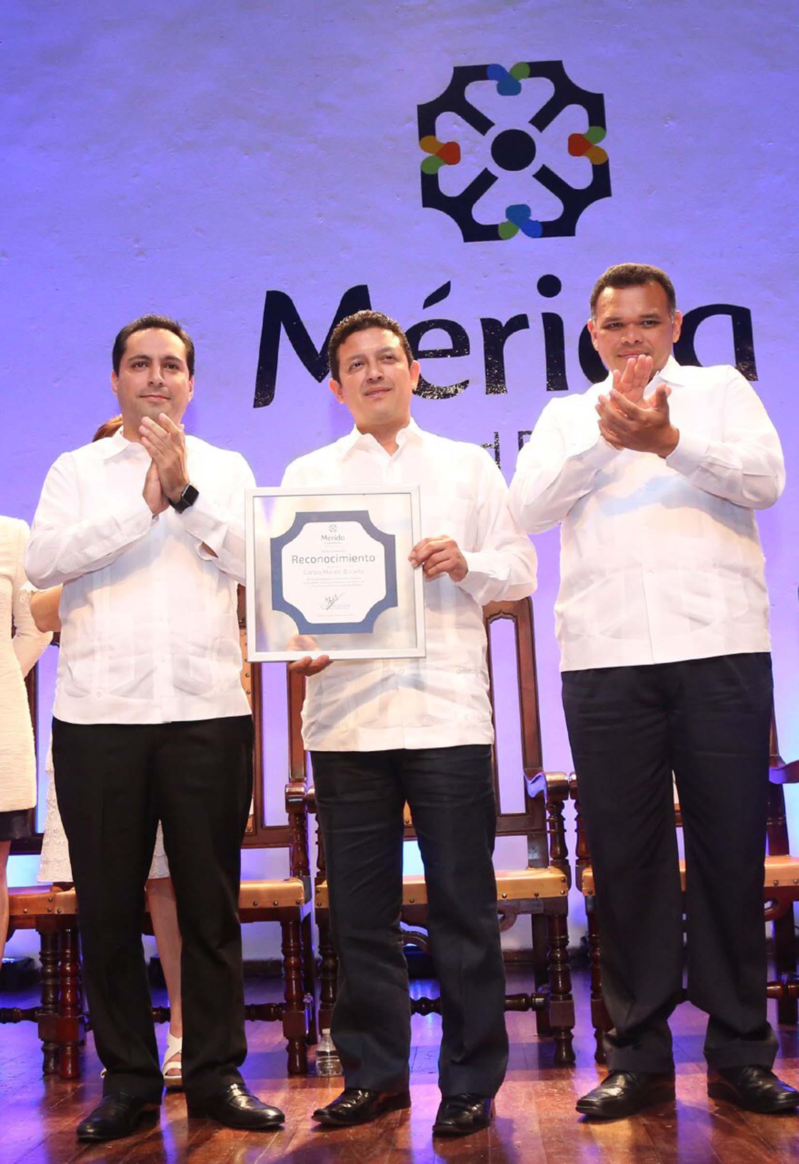 Cabildo sesiona por Aniversario de Mérida