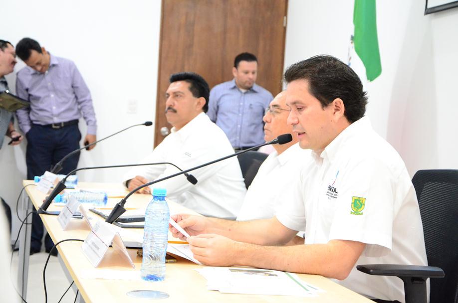 Secretarios de Desarrollo Social y Rural comparecen ante Congreso Yucatán