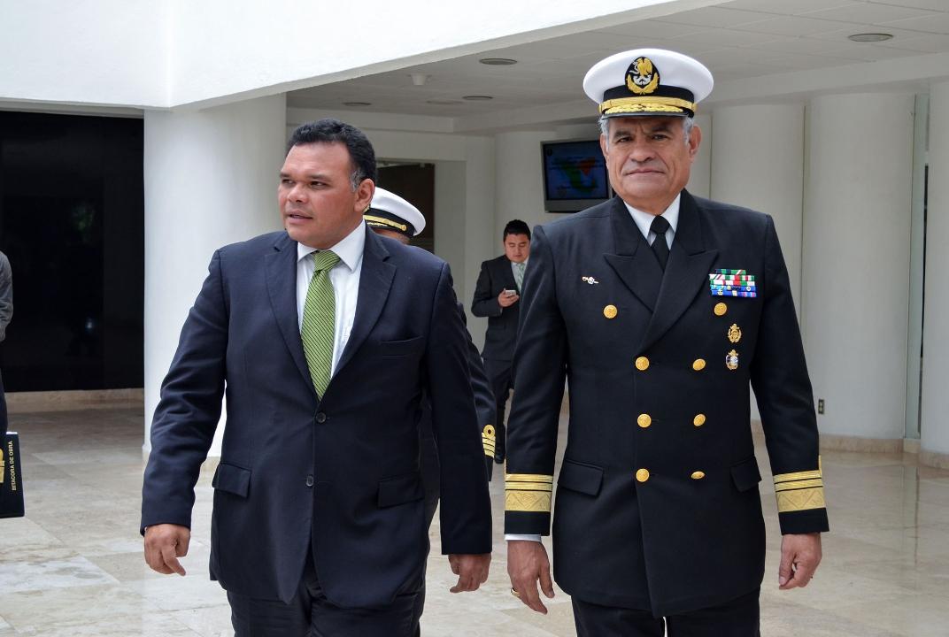 Zapata Bello lleva ponencia a Centro de Estudios Navales