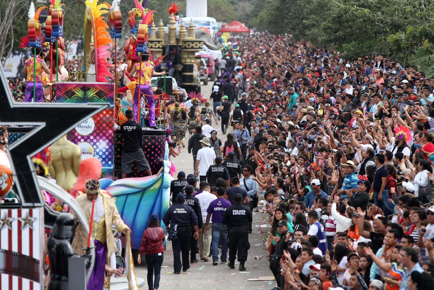 Batalla de Flores cierra Carnaval Mérida