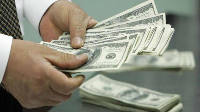 Se vende dólar en 19.25 pesos en AICM