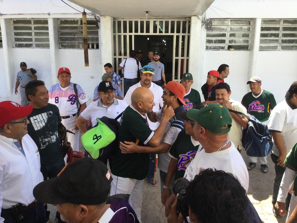 Juan José Pacho: béisbol y labor social