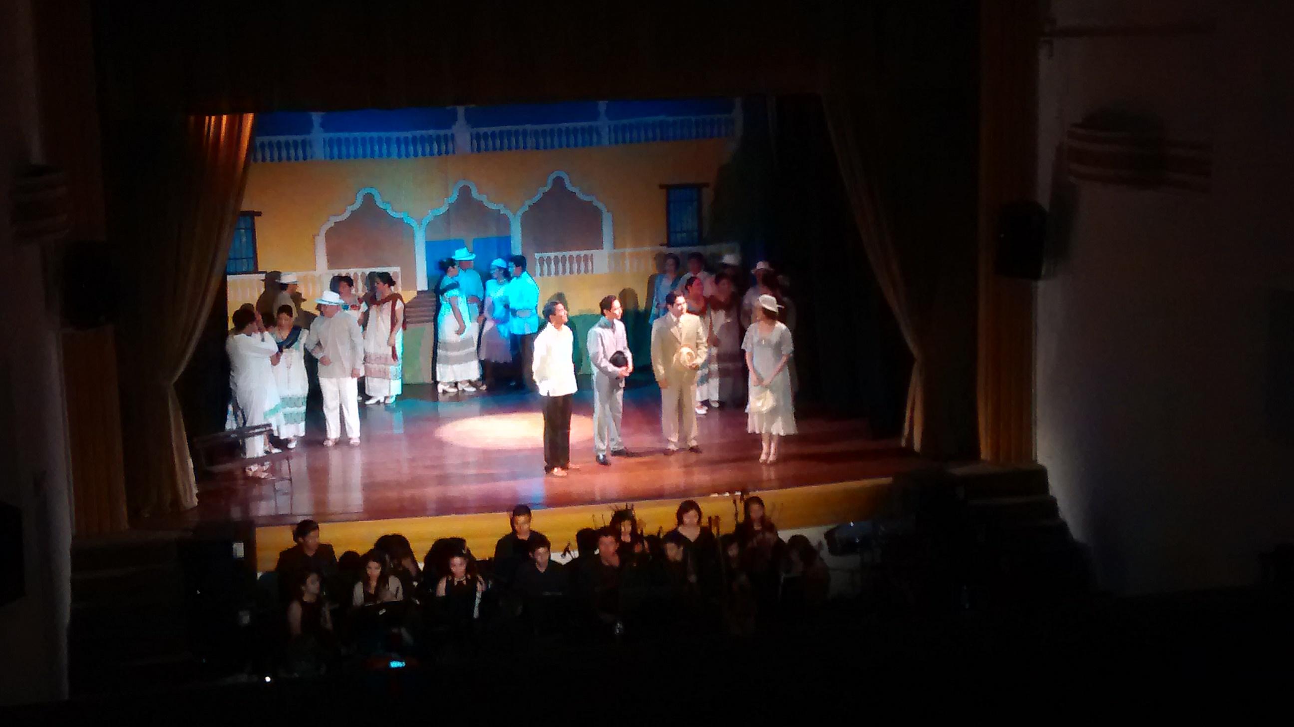 "Evocan ""Peregrina"" estudiantes yucatecos"