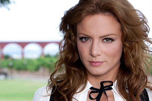 Silvia Navarro regresa a la escuela para ser mejor actriz