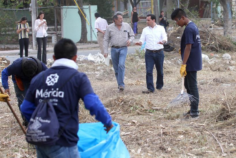 Limpia Ayuntamiento 310 terrenos baldíos en Mérida