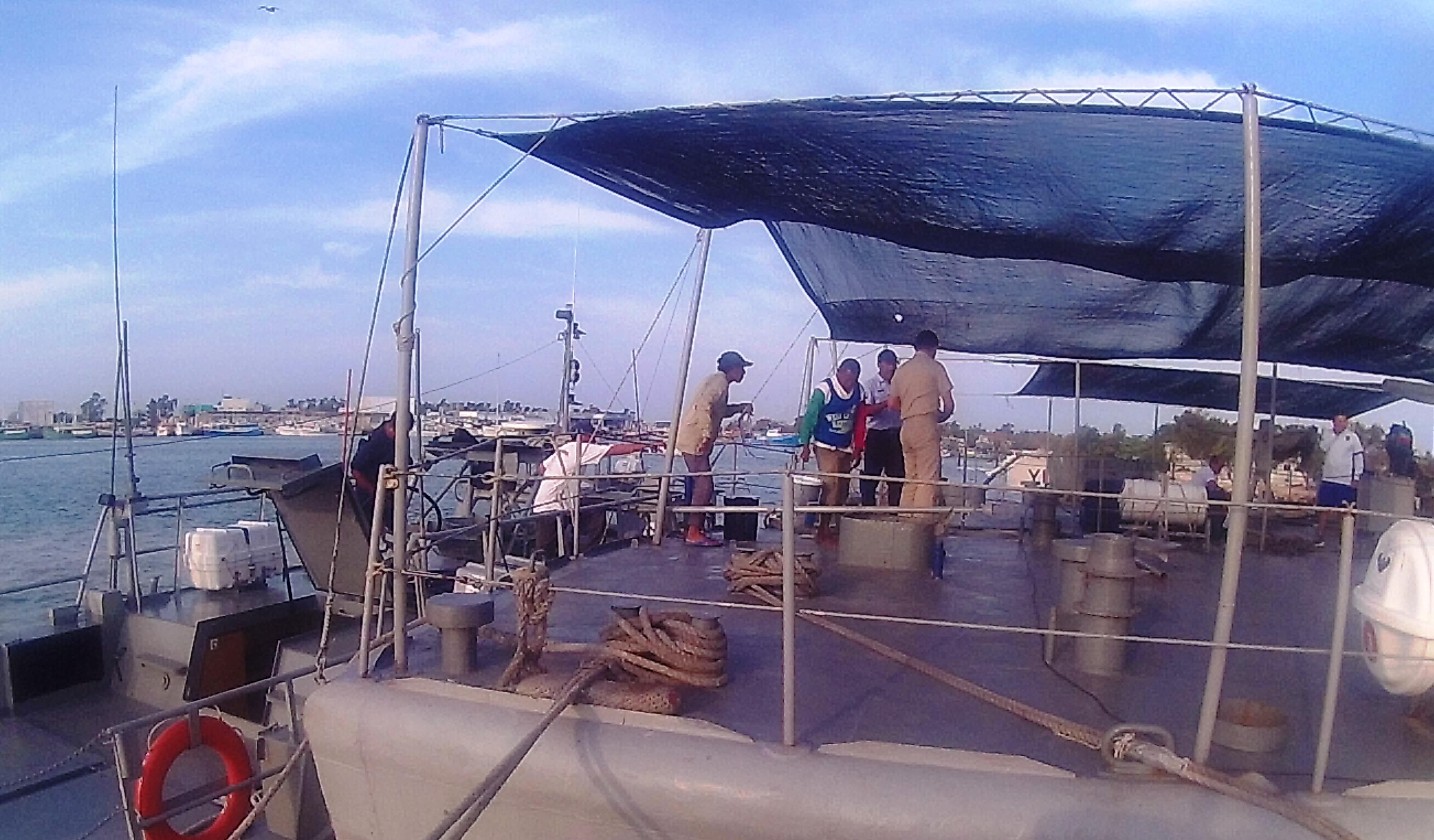 Rescatan a pescadores yucatecos en barco averiado