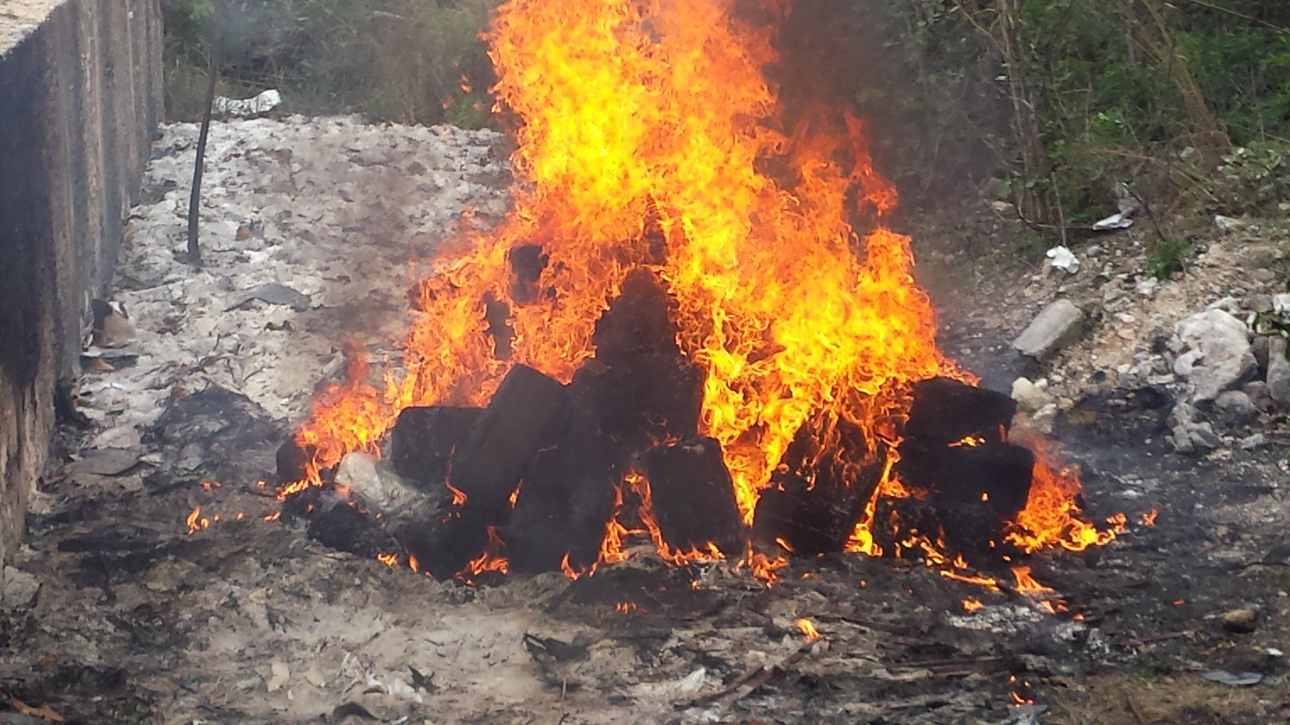 Incineran en Yucatán más de 800 kilos de mariguana, cocaína y metanfetamina