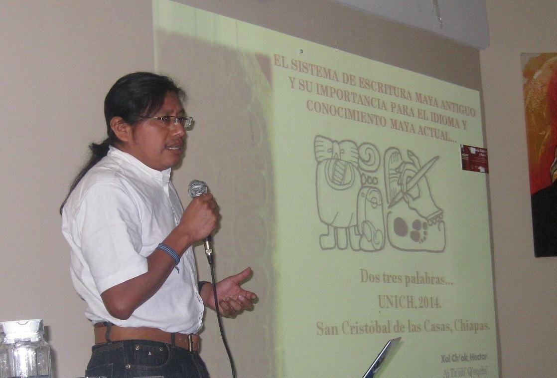 Niegan entrada en México a académico de origen maya