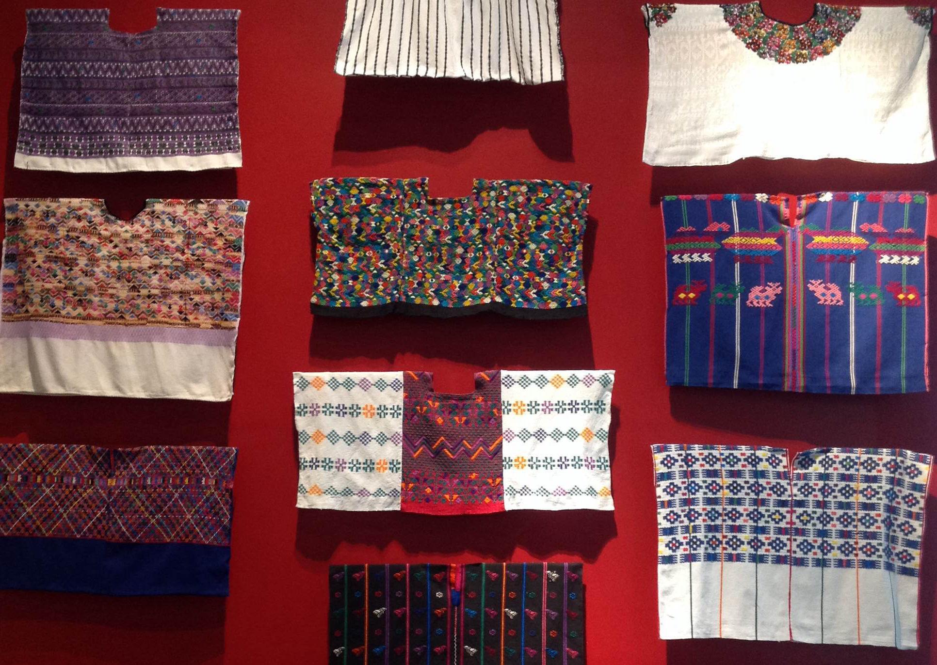 """Historia de un pueblo: """"Ixkeem, el arte de las tejedoras mayas"""""""