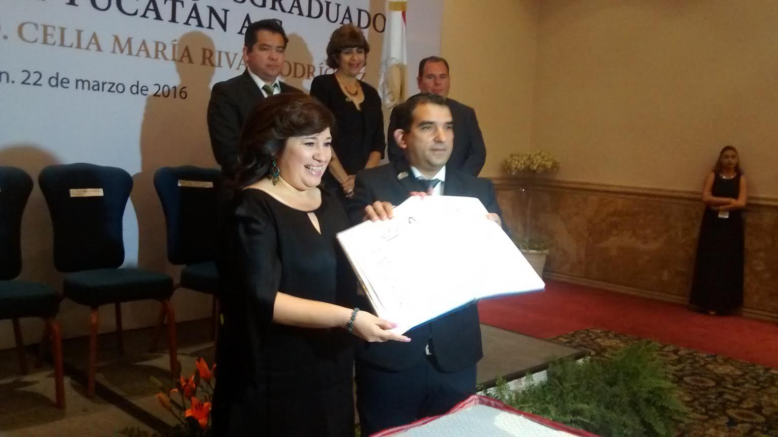 Nombran a Celia Rivas miembro honorario del Colegio de Posgraduados