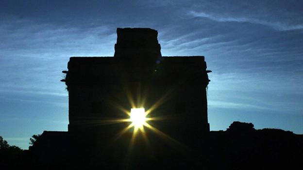 Primavera en tierra maya, en año bisiesto