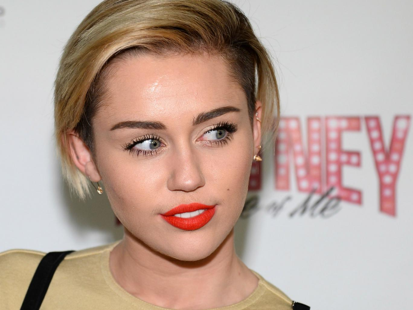 Miley Cyrus abandonará EU si Donald Trump gana elecciones