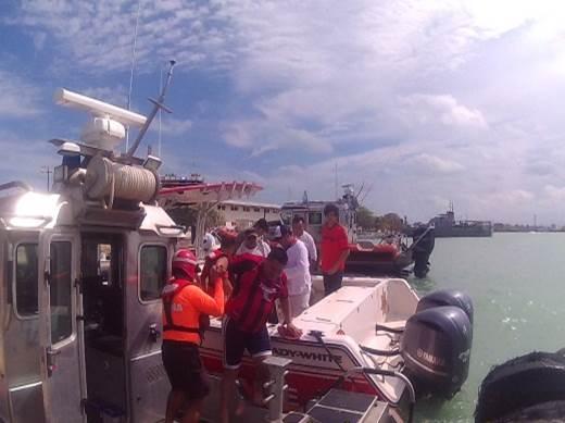 Gran susto por avería en embarcación de recreoen Progreso