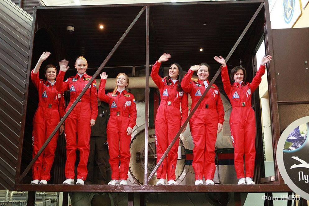 Rusia quiere una tripulación espacial solo con mujeres