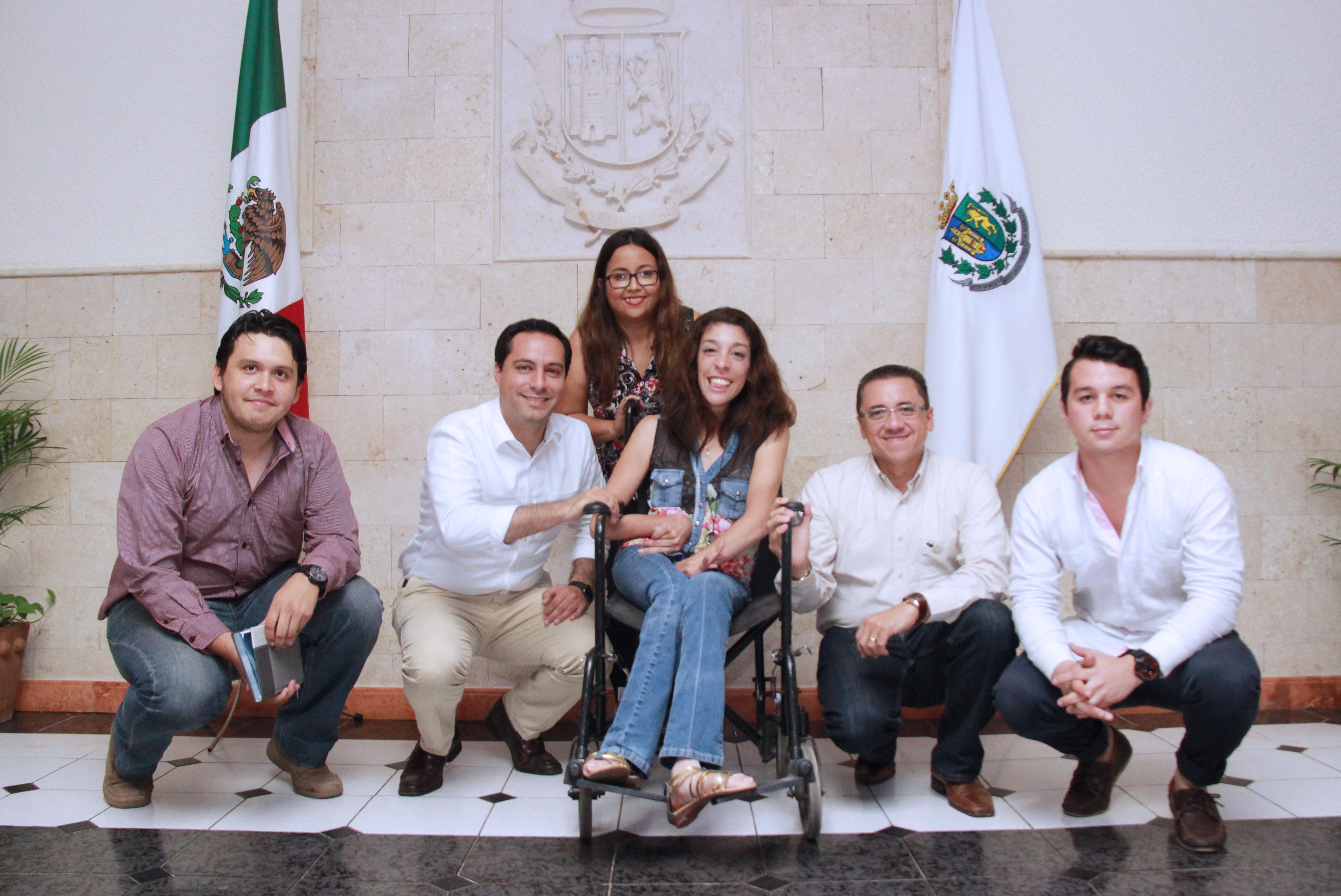 Mauricio Vila concede entrevista especial a estudiantes