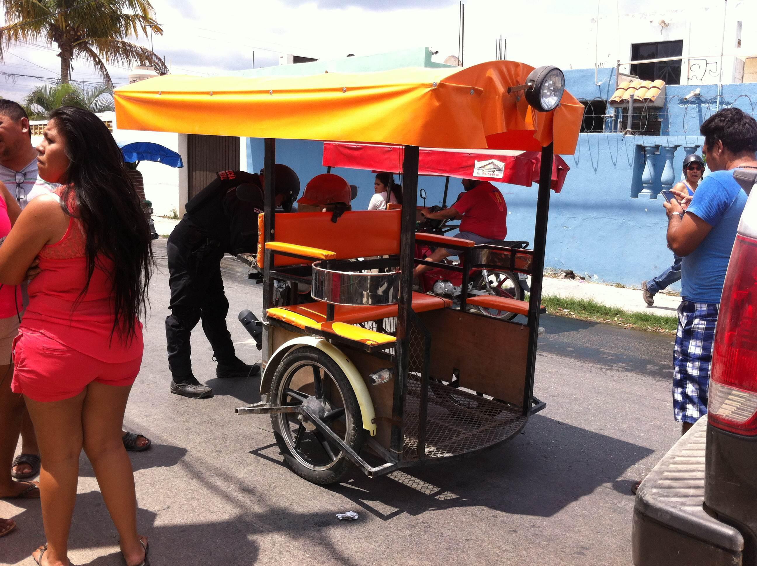 Colectivo embiste moto taxi