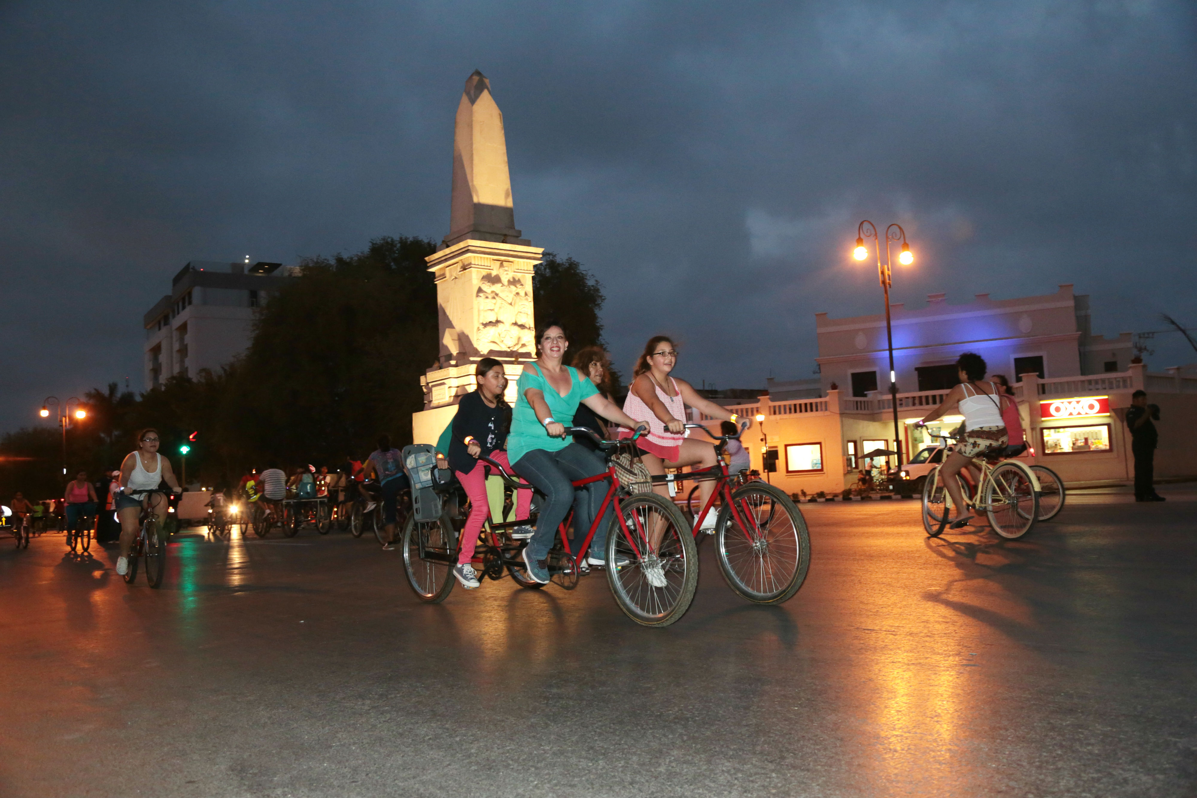 Crece la Bici-Ruta Nocturna en su segunda edición