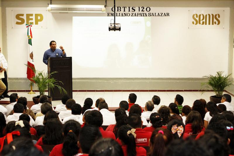 Capacita Yucatán a líderes comunitarios en zonas marginadas