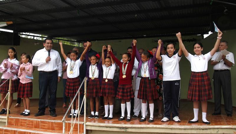 Obras de mejoramiento en 217 escuelas de Yucatán