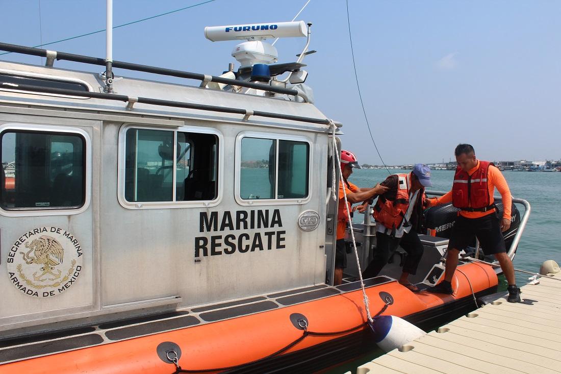 Salvan en mar a pescador yucateco extraviado cuatro días