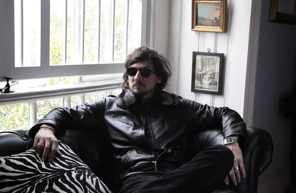 León Larregui presenta su álbum Voluma