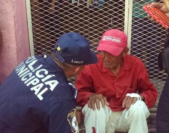 Embisten a octogenario en centro de Mérida